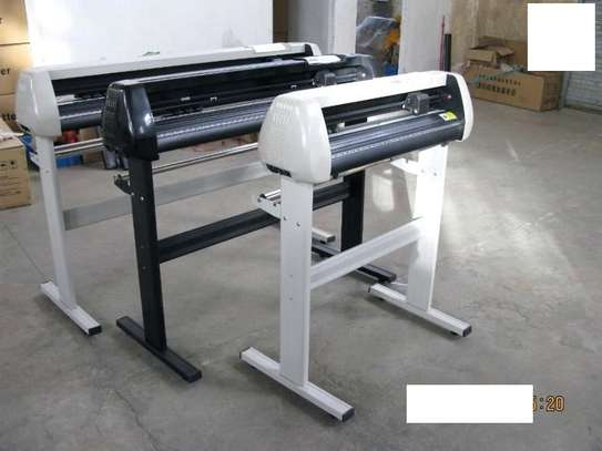 WHITE 4 feet vinyl Contour Cutter Plotter. image 1