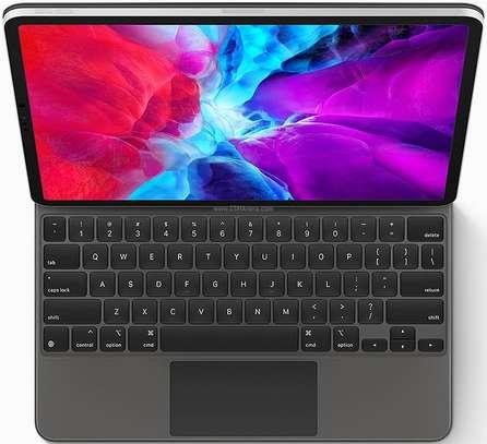 """Apple iPad Pro 12.9"""" (2020) 256GB image 6"""