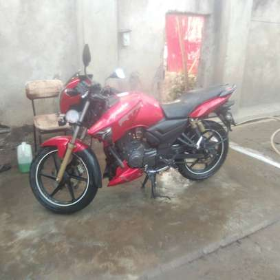 Motorbike tvs image 3