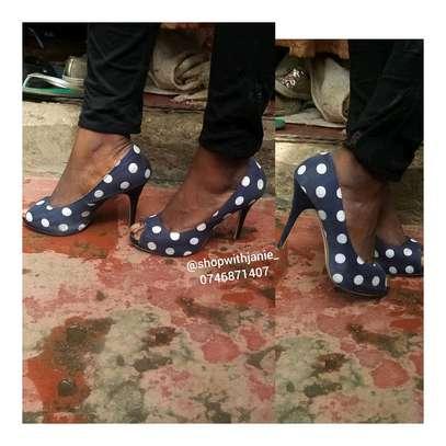 Dotted heels no 39 big