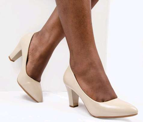 High heeled shoes image 2