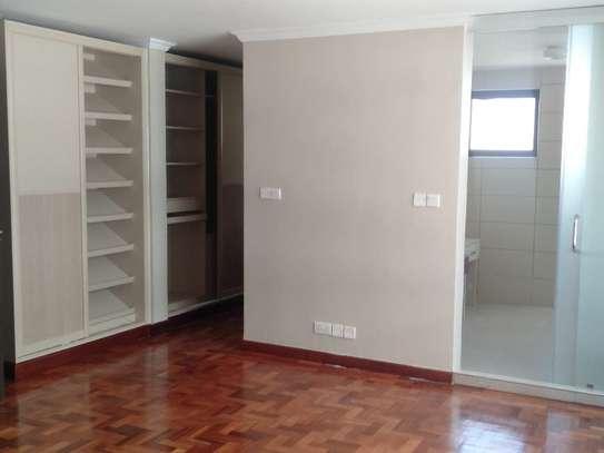 Riverside - Flat & Apartment image 16