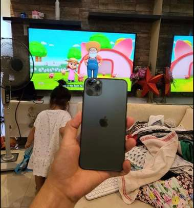 Iphone 11 pro *Luminous Green* image 6