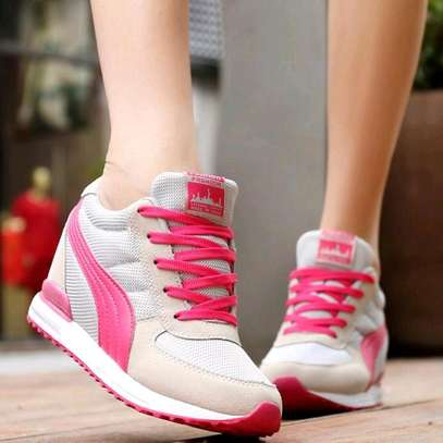 Classy ladies sports shoes image 4