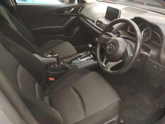 Mazda Axela2014 image 3
