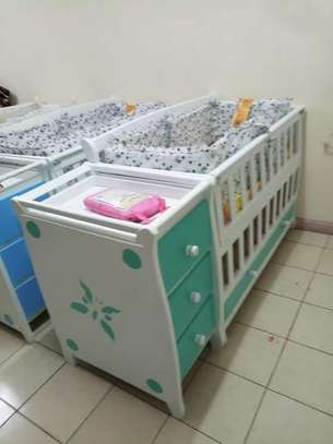 Baby Crib with Chest Drawers image 4