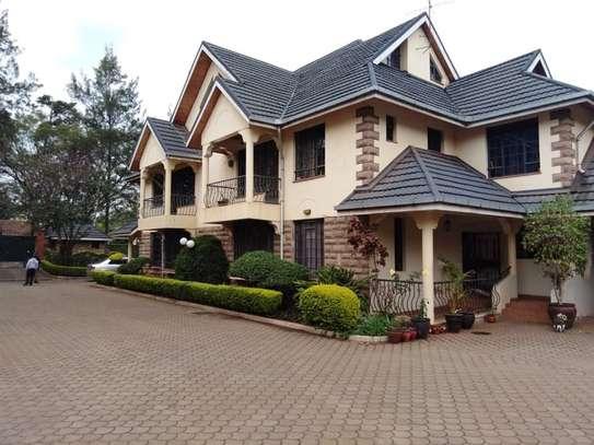 5 bedroom house for rent in Kileleshwa image 9