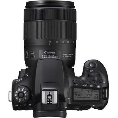 Canon EOS 90D DSLR Camera with 18-135mm Lens image 2