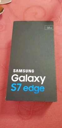 Samsung Galaxy S7 Edge image 3