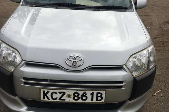 Toyota Succeed image 3