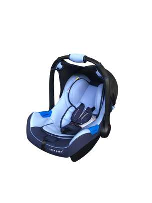 Baby Carrycot/Carseat image 9