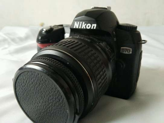 Nikon D70+18-55MM Nikon lens image 1