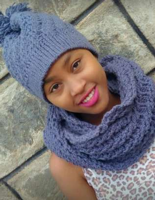 Stylish knitted women scarfs and Marvin image 1