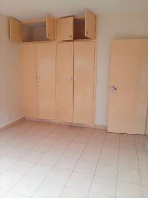 3 bedroom house for rent in Hurlingham image 10