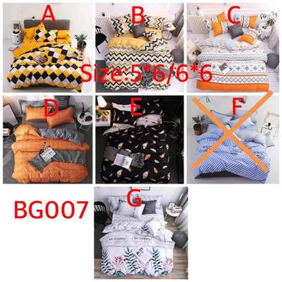 Duvet covers size 5*6,6*6 2pillow cases and 1 bedsheet image 1