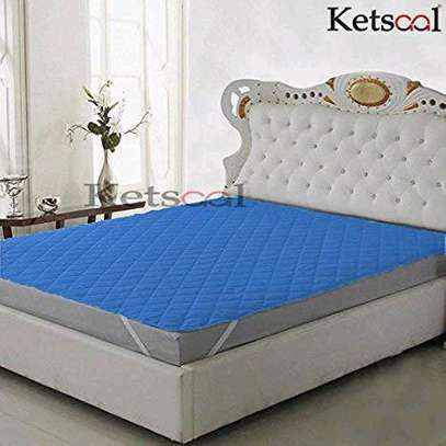 MATTRESS COVER image 3