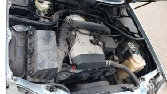 1993 Mercedes-Benz E200 KAS auto petrol drives smooth Mint image 6