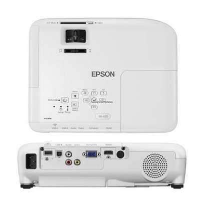 Epson EB-X05 XGA 3LCD Projector image 1