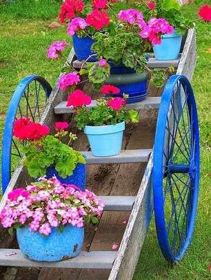 Bike Inspired flower stand image 1