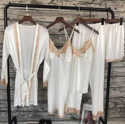 Nightdress/nightwear image 3