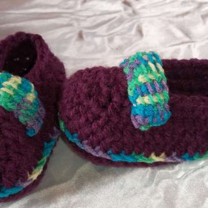 Crotched baby shoe image 10