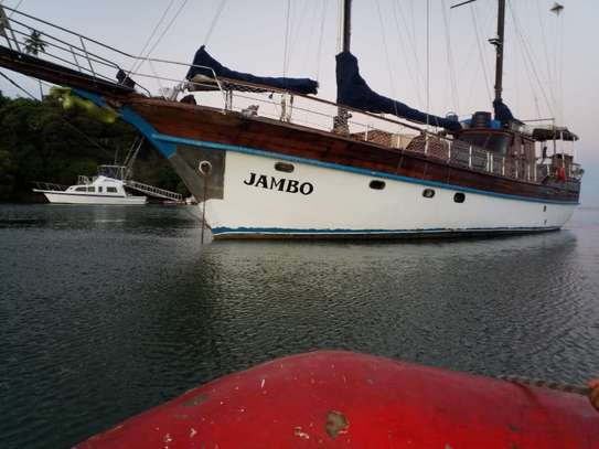 yacht for sale image 1