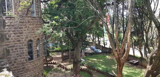 929 m² commercial property for rent in Lavington image 20