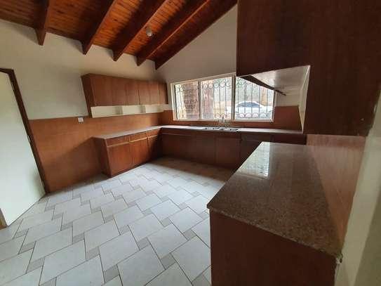 4 bedroom spacious house in Runda image 7