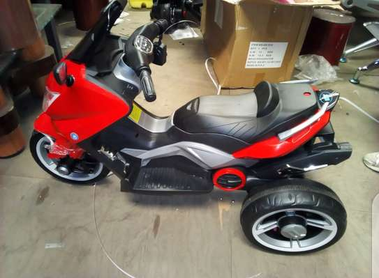 kids Electric Powered Motorbikes with 2Motors & 12vlts battery image 7