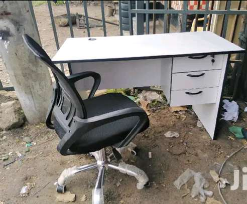 Computer table with a 360 degrees swivel office chair image 1