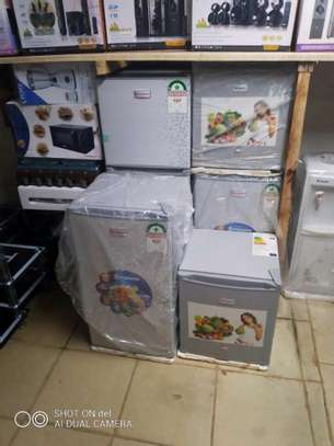 fridges, cooker, image 2