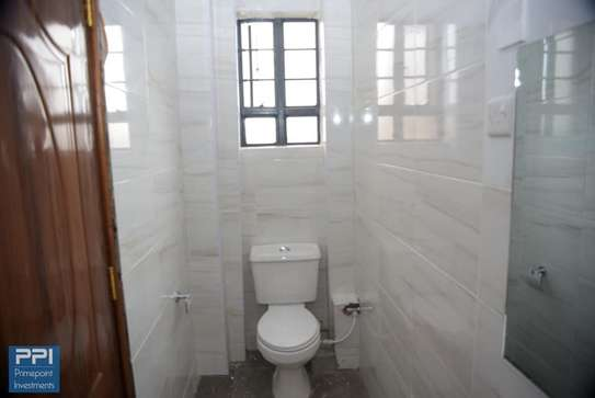 Executive 2 Bedroom Apartment To Let in Ruaka At 33K image 4