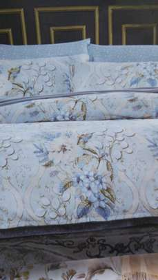 Binded duvet with 1 bedsheet n 2 pillowcases 6*6 image 6