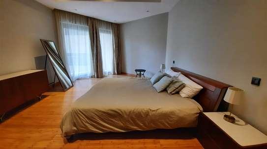 Furnished 3 bedroom apartment for rent in Riverside image 8