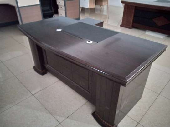 Executive office desk 1.8 meters image 2