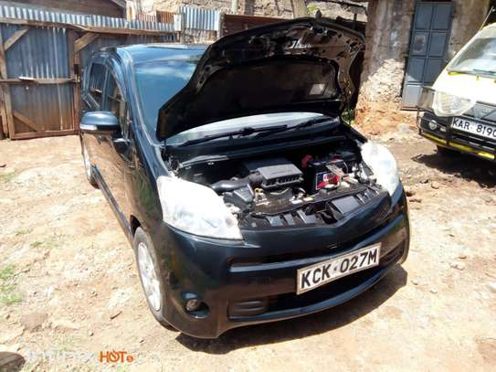 Toyota Passo image 6
