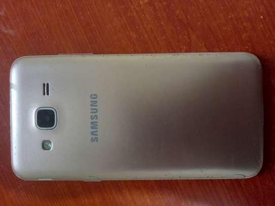 Used Samsung galaxy J3 on sale image 3