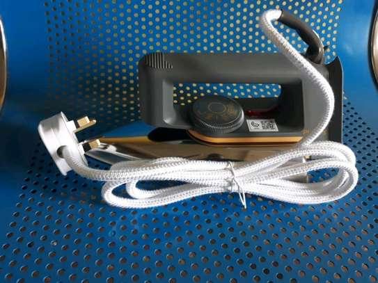 Phillips Dry iron box image 1