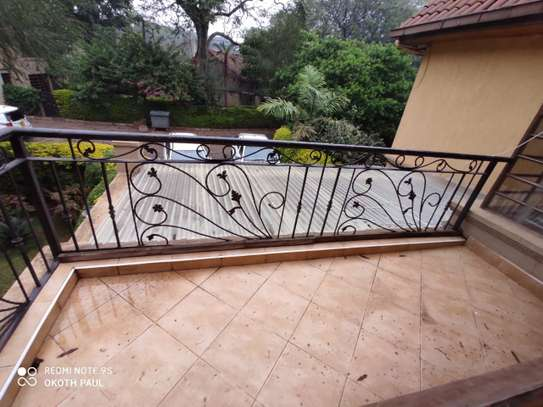 6 bedroom townhouse for rent in Lavington image 11