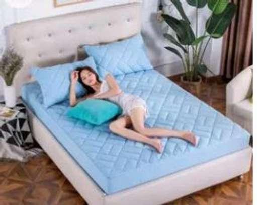 mattress protector image 3