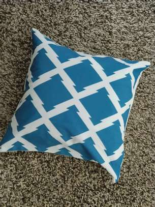 THROW PILLOW CASES image 14