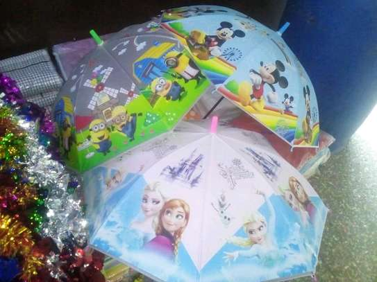 Character-themed umbrellas image 4