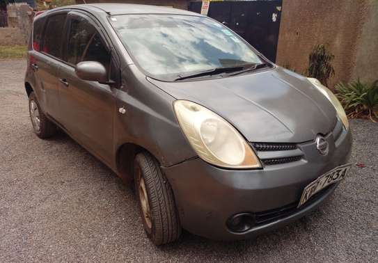 Nissan Note-Metallic Grey