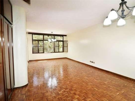 Riverside - Flat & Apartment image 7
