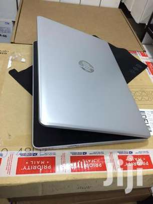 Hp Notebook 15 AMD A9 image 2