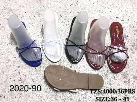 Sandals/slide image 3