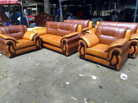 7 seaters leather seats image 1