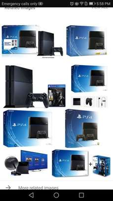 PS4 4 SALE image 1