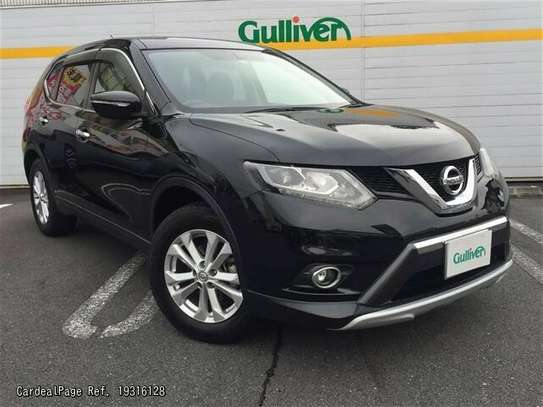 Nissan X-Trail image 1