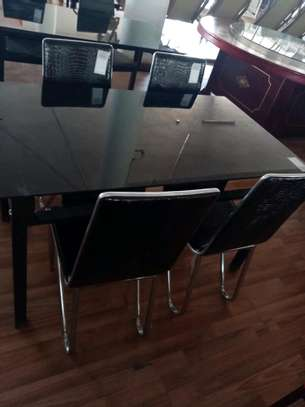 4 seats dining table image 1